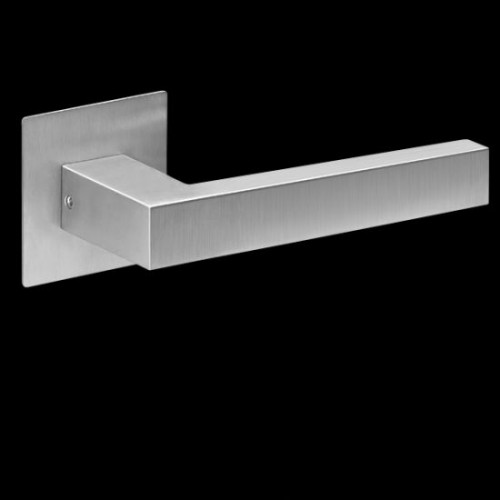 Plan-Design by Karcher Seattle EPL46Q Door Lever Handle on a Flush Rose