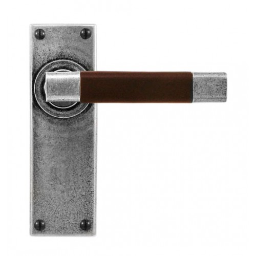 Finesse Design Jedburgh Range Latch Door Handle on a Back Plate in Pewter