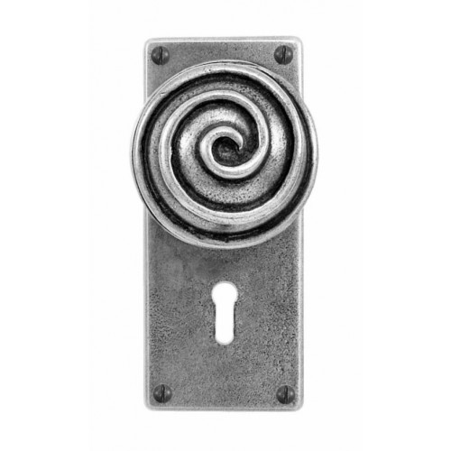 Finesse Design Swirl Range Door Knob on a Jesmond Lock / Key Hole Back Plate in Pewter