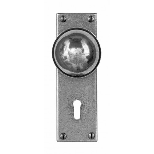 Finesse Design Pelton Range Door Knob on a Lock / Key Hole Back Plate in Pewter