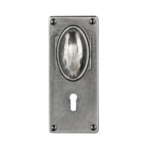 Finesse Design Lincoln Range Door Knob on a Lock / Key Hole Jesmond Back Plate in Pewter